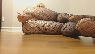 fish net milf playing with her pussy