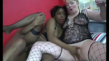Mature one fair and a blackette bottom one orgy