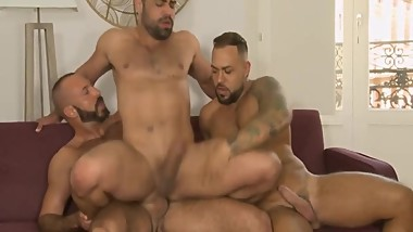 Hot muscle threesome raw fuck