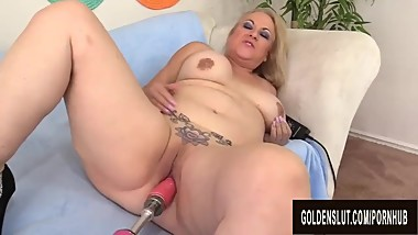 Fucking Machine Makes Juicy Mature Blonde Summer Orgasm