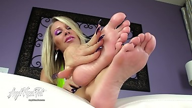 Nikki Ashton - MILF Feet Control your Orgasm - Feet JOI