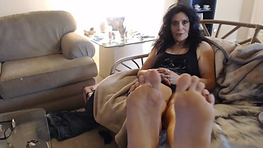 MATURE WRINKLED soles exposed- one shoe custom video