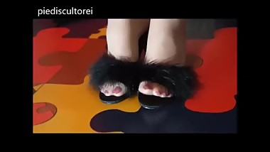 Marabou Slipper Shoeplay (NOT MY WORK)
