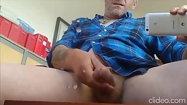 Huge Cummer Mature Hung Daddy