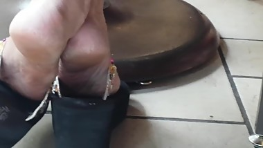 Candid Mature lady feet in wedge sandals2 [NOT MY WORK!]