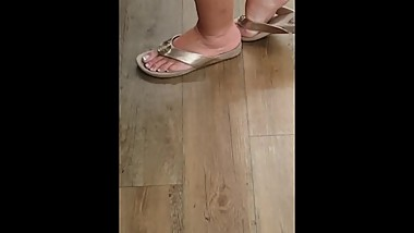 Candid A Mature s feet in Sandals [NOT MY WORK!]