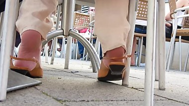 Mature Dip And Heel-Popping On Low Slingbacks