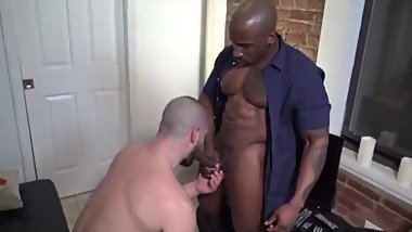 WHITE BOSS FUCKED BY BLACK BODYGUARD