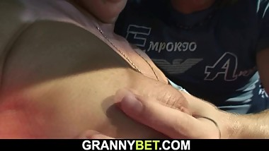 Picked up old granny gets her hairy cunt fucked