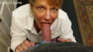 Mature Daizy Layne Teases Photogs Cock Before Vid Shoot