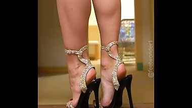 Exquisite IG MILF toes, feet, arches, and heels
