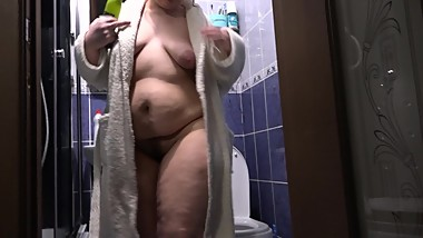 Beautiful juicy BBW with hairy pussy, fucking her cunt with bottles