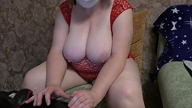 huge natural tits and shaved pussy shows milf fat cam on cam