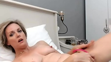 hot short haired milf with nice nipples masturbating