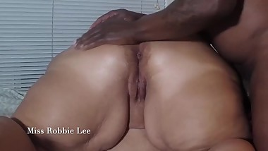 Hot Milf moans as Black Stud  Rubs and Worship Big Booty...Pink Pussy Shot