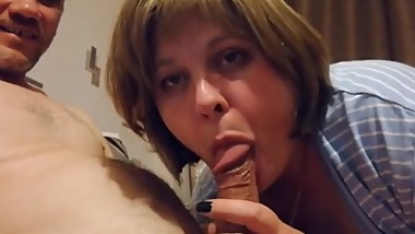 MILF sucks deep (russian homemade blowjob)