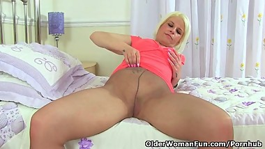 English milf Skyler revs up the magic wand