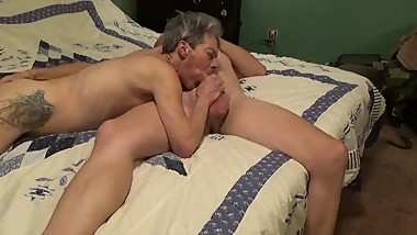 Wife does some sucking and fucking to get hers
