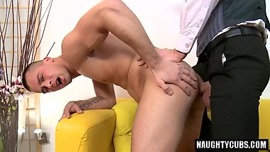 Musclular young stud get fucked hard by a horse hung daddy