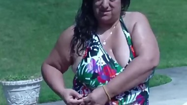 Me and My BUSTY 50yo Desi Aunty FWB At The Pool