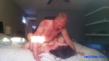 Sexy Mom Fucks Her Boss