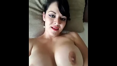 Mature women Show Own Body (Great video)