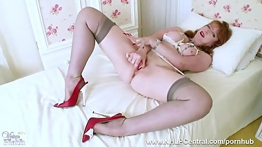 Redhead Milf strips off panties finger fuck toying in open bra nylons heels