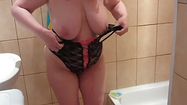 pissing in the shower, fat lady milf with big tits