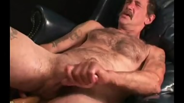 Mature Amateur Chris Beating Off