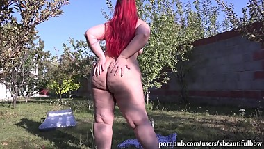 beautiful bbw with hairy pussy and big ass, urinating in a public place