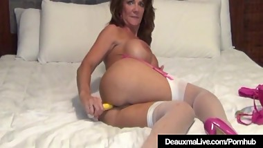 Texas Cougar Deauxma Uses Anal Plug & Toy To Squirt Her Cum!