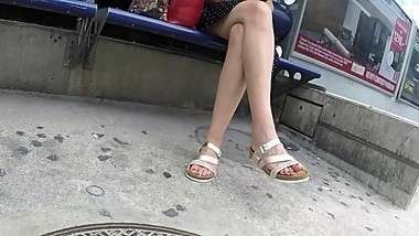 BEST 2018 SEXY TEEN MILF LEGS CROSSED TOES AMATEUR VOYEUR CANDID FEET 41