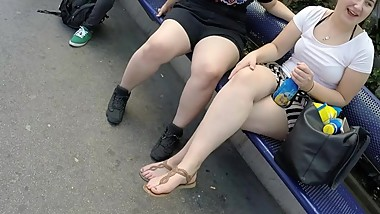 BEST 2018 SEXY TEEN MILF LEGS CROSSED TOES AMATEUR VOYEUR CANDID FEET 25