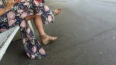 BEST 2018 SEXY TEEN MILF LEGS CROSSED TOES AMATEUR VOYEUR CANDID FEET 12