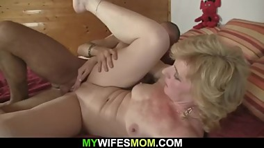 Older mother girlfriend helps him cum