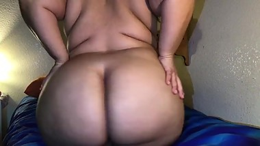 Amature BBW Teen Fucks Herself With Toys and Has Shaking Orgasms