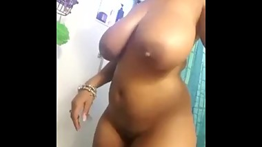 Sexy mature bbw chick shower showing me then big juicy titties and pussy