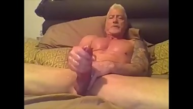 Mature Muscle Daddy Webcam