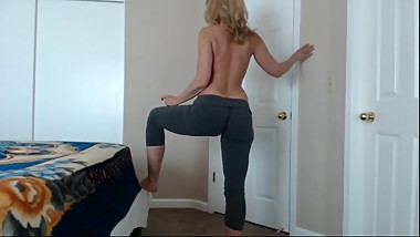 Yoga Pants Fashion Show WhootyJessRyan