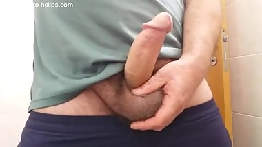 Wanking until Jerkoff after sport