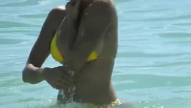 Milf in yellow candid thong