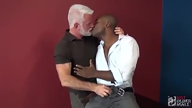 Mature Interracial Bareback