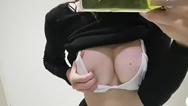girl meryamvip1 squirting on live webcam