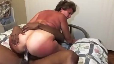 Old mature creamy pussy gets pounded by BBC