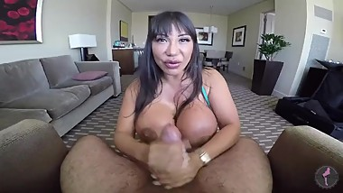 Ava Devine 2017 Cranking a load out