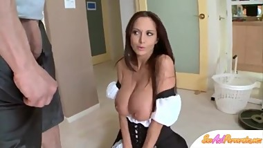 Fucking with the mature maid - SexAndPerversion.com