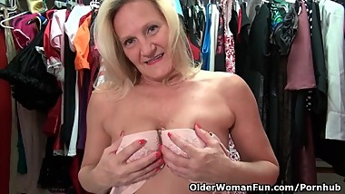 American milf Mary Wana gets overwhelmed by lust