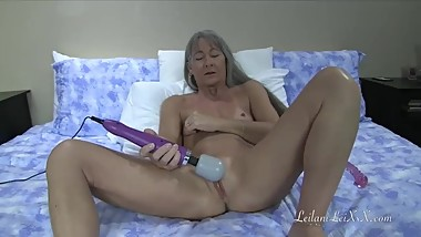Masturbation 22 - Milf with Doxy n Glass Dildo