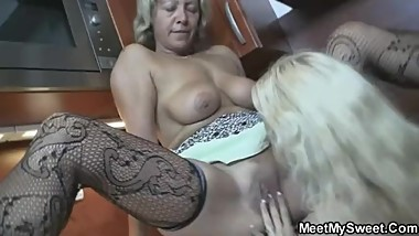His parents and blonde girlfriend get it on