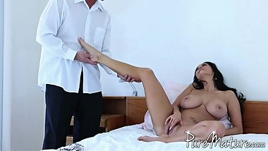 Ava Addams (PureMature. Sidetracked 21.08.2012) (Foot Fetish Cut)(Feet) HD